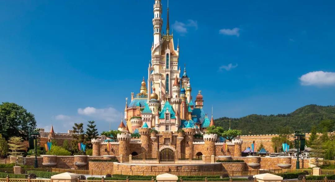 """香港迪士尼乐园度假区""""15周年奇妙庆典""""启动无限欢乐"""